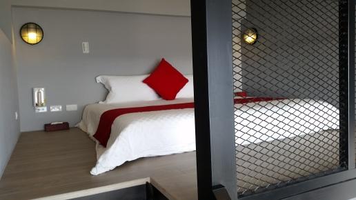 R101二樓Queen雙人大床