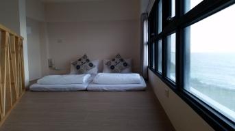 R102二樓二單人床